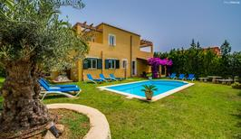 Holiday home 1407682 for 10 persons in Cales de Majorca