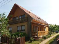 Appartement 1408385 voor 6 personen in Balatonboglar