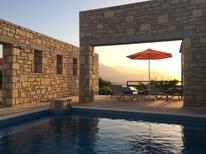 Vakantiehuis 1409028 voor 6 personen in Petres
