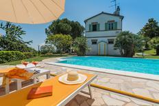 Vakantiehuis 1409512 voor 9 personen in Corinaldo