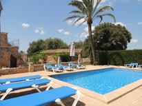 Ferienhaus 1410755 für 12 Personen in Cas Concos des Cavaller