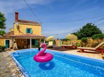 Casa de vacaciones 1411609 para 8 personas en Nerezine