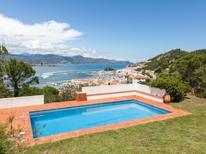 Vakantiehuis 1412401 voor 16 personen in Port de la Selva