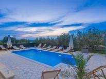Rekreační dům 1415346 pro 12 osob v Lisicic