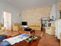 Ferienhaus 1417485 für 12 Personen in Castelluccio