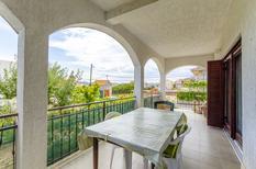 Appartement 1417491 voor 6 personen in Trogir