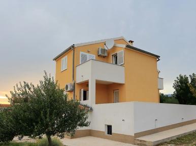 Gemütliches Ferienhaus : Region Maslenica für 10 Personen