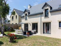 Holiday home 1424586 for 8 persons in Saint-Lunaire