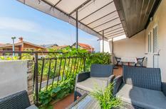 Appartement 1424853 voor 5 personen in Pirovac