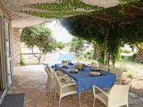 Ferienhaus 1425102 für 8 Personen in Lumbarda
