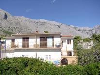Appartement 1426815 voor 4 personen in Baska Voda