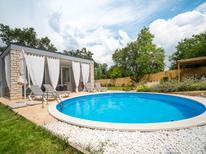 Ferienhaus 1427953 für 4 Personen in Buje