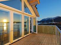 Appartement 1428937 voor 10 personen in Løvsøya