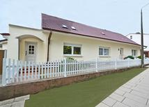 Ferienwohnung 1428986 für 6 Personen in Ahlbeck