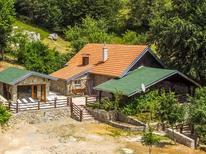 Maison de vacances 1429144 pour 13 personnes , Gračac