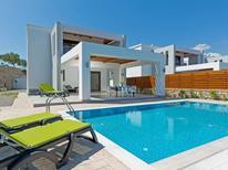 Casa de vacaciones 1431642 para 6 personas en Lachania
