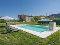Ferienhaus 1432045 für 14 Personen in Lucca