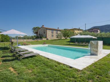 Gemütliches Ferienhaus : Region Lucca für 14 Personen