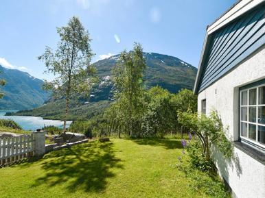 Gemütliches Ferienhaus : Region Nordfjord für 5 Personen