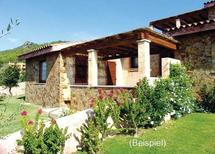 Appartement 1432728 voor 6 personen in Porto Corallo