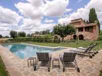 Ferienhaus 1434086 für 9 Personen in Lucignano