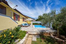 Vakantiehuis 1435059 voor 4 volwassenen + 2 kinderen in Murine