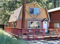 Holiday home 1435154 for 4 adults + 2 children in Big Bear Lake