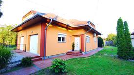 Ferienhaus 1435640 für 5 Personen in Balatonfenyves