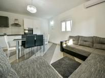 Ferienhaus 1436435 für 6 Personen in Novigrad