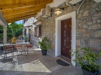Ferienhaus 1436548 für 8 Personen in Rijeka