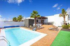 Holiday home 1436885 for 10 persons in Playa Blanca