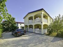 Ferienhaus 1437339 für 12 Personen in Vir