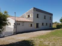 Villa 1438797 per 10 persone in Vélieux