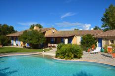 Ferienhaus 1439096 für 8 Personen in Pernes-les-Fontaines