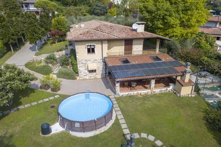 Gemütliches Ferienhaus : Region Gardasee für 12 Personen