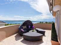 Vakantiehuis 1445620 voor 12 personen in Crikvenica
