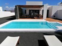 Dom wakacyjny 1445888 dla 2 dorosłych + 2 dzieci w Playa Blanca
