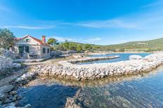 Ferienhaus 1446121 für 5 Personen in Pašman