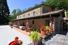 Ferienhaus 1446945 für 8 Personen in Vellano