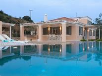 Vakantiehuis 1447523 voor 8 personen in Portocheli