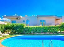 Vakantiehuis 1447528 voor 14 personen in Alikianos
