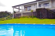 Ferienhaus 1447641 für 8 Personen in Fenais da Luz
