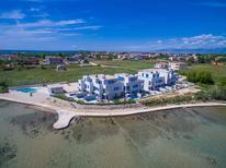Maison de vacances 1449869 pour 8 adultes + 3 enfants , Privlaka