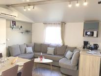 Ferienhaus 1450511 für 6 Personen in Saint-Julien-en-Born