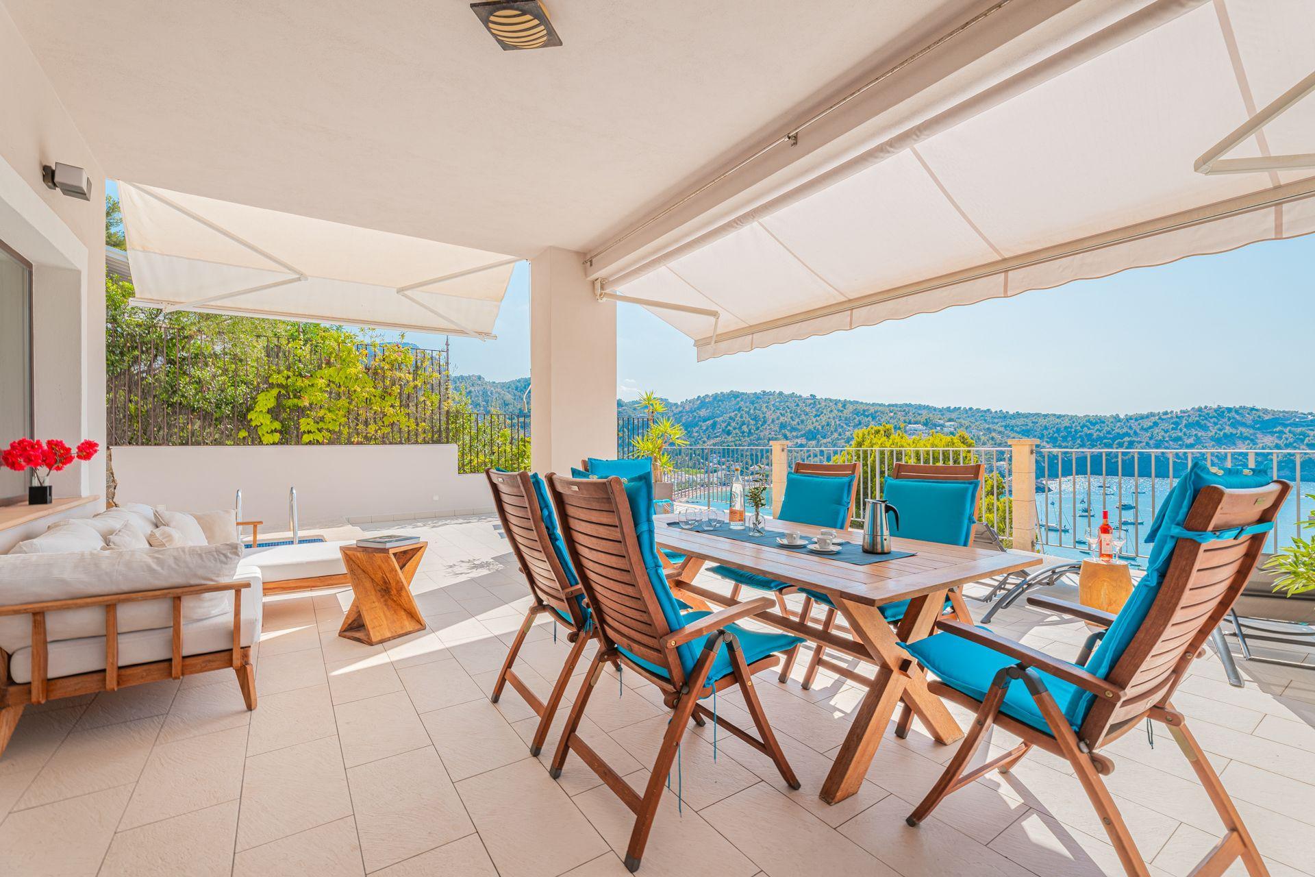 Mallorquinische Villa mit luxuriösem mediterranen Ambiente und traumhaftem Blick auf den malerischen Hafen von Port de Sóller mit 3 Schlafzimmern 3 Bädern privatem Pool und W Lan em Majorcan villa with luxurious Mediterranean ambience