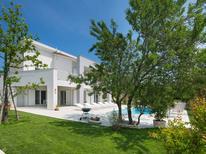 Vakantiehuis 1450952 voor 9 personen in Stanišovi