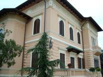 Ferienhaus 1450987 für 5 Personen in Giulianova