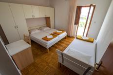Appartamento 1451420 per 5 persone in Starigrad-Paklenica