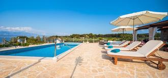 Ferienhaus 1451712 für 11 Personen in Mirca