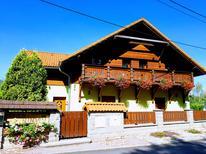 Appartement 1451965 voor 7 personen in Hroznetin